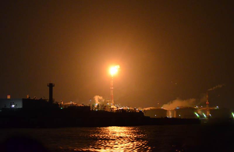 川崎工場夜景クルーズの火柱