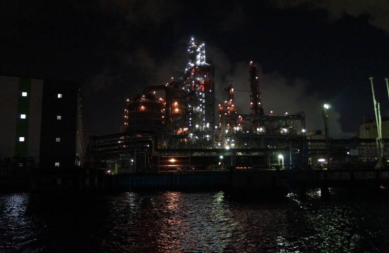 川崎工場夜景クルーズ東亜石油の京浜製油所