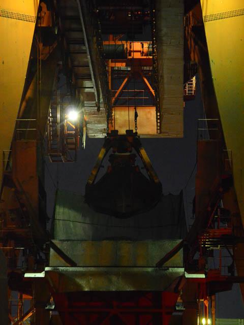 川崎工場夜景からクレーン
