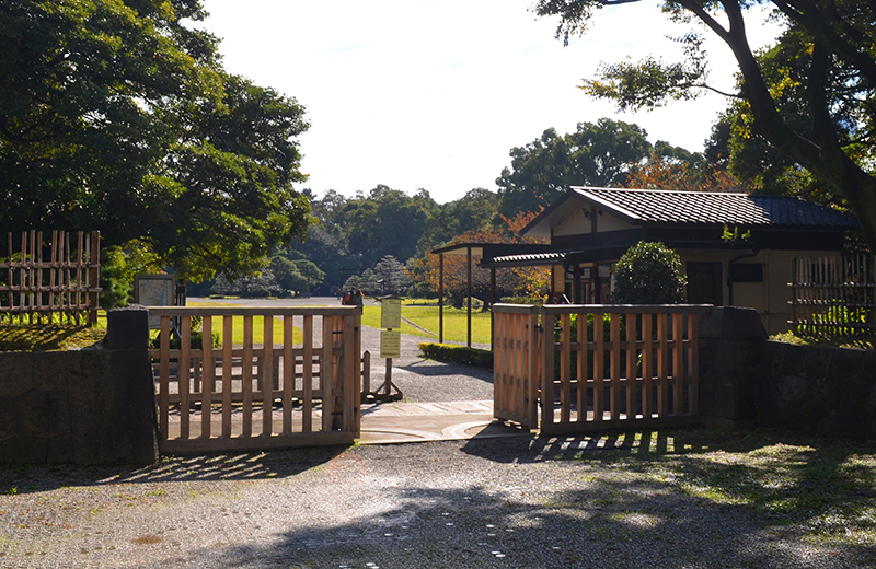 浜離宮恩賜公園の中の御門