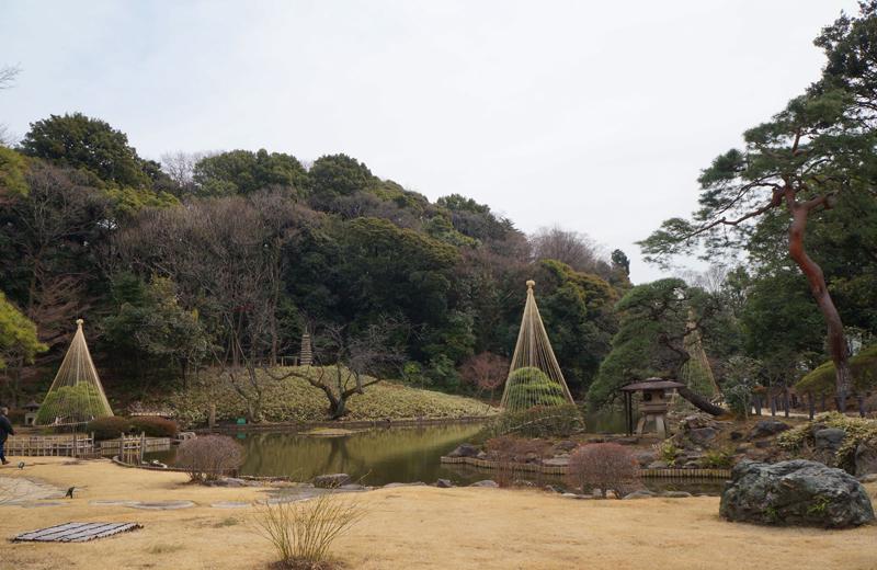 肥後細川庭園の池泉回遊式庭園
