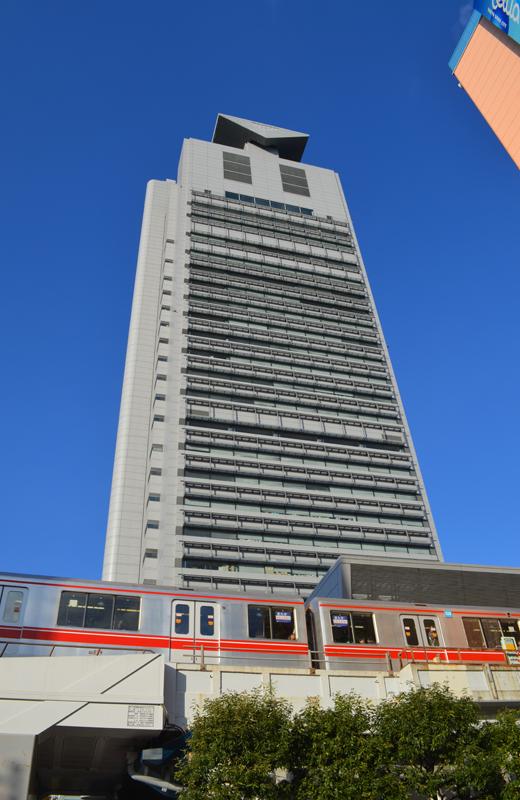 文京区シビックセンター(区役所)と丸ノ内線