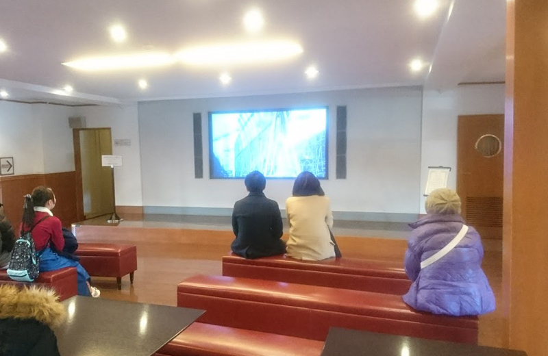 横浜山下公園氷川丸のエントランスロビー