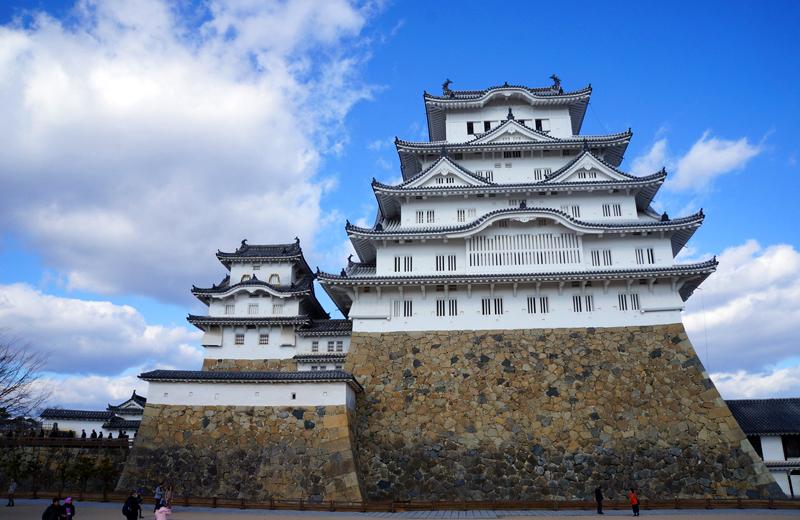 備前丸から正面に見上げる姫路城
