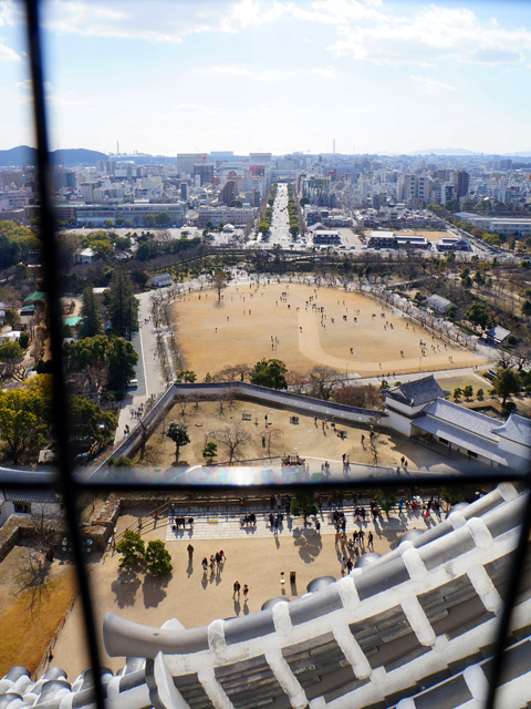 姫路城。天守閣から見る三の丸公園