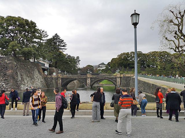 二重橋前、外国人観光客