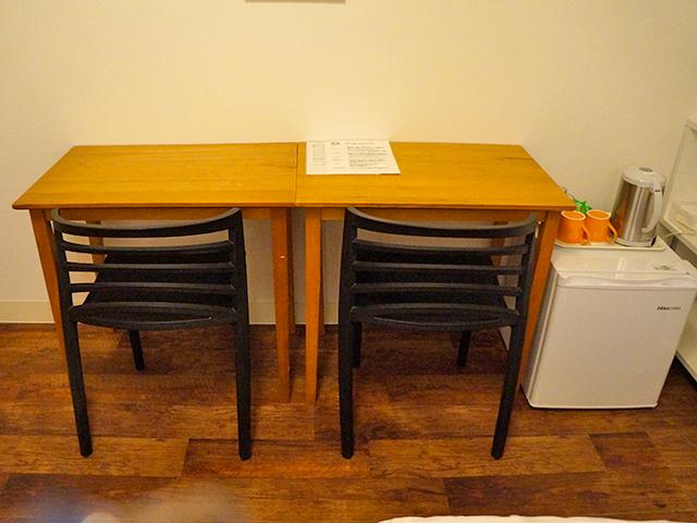 テーブルと椅子/銚子かもめホテル