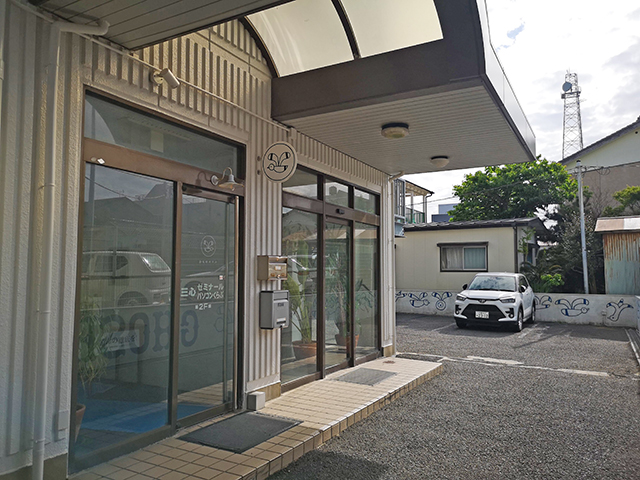 入り口・駐車場/銚子かもめホテル